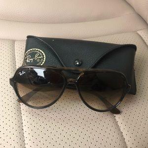 Ray Ban CATS 5000 Classic Sunglasses